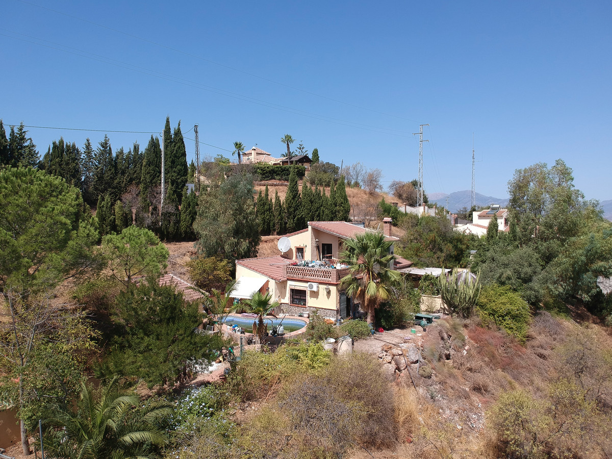 RESERVED!  Detached villa in a elevated position commanding fantastic views.  The property is built , Spain
