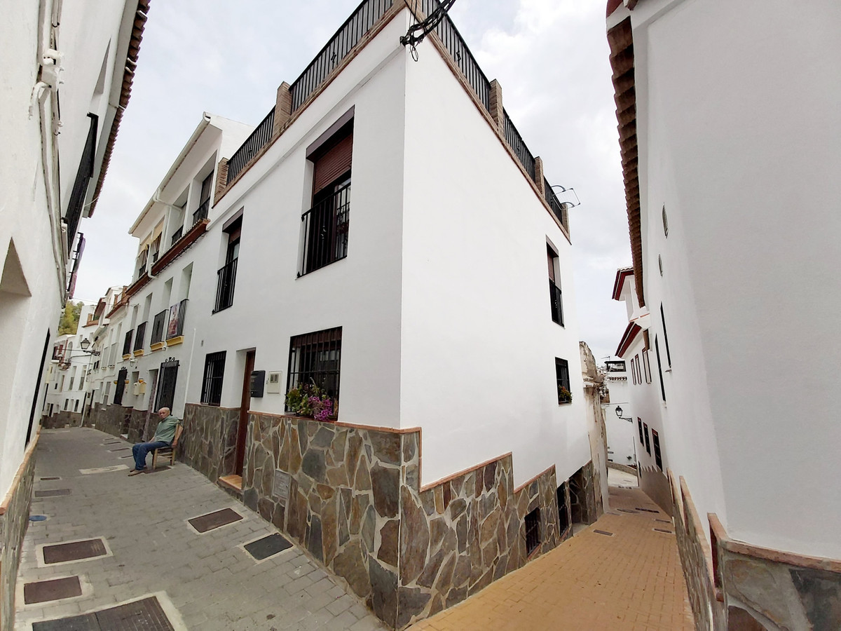 3 bedroom townhouse for sale tolox
