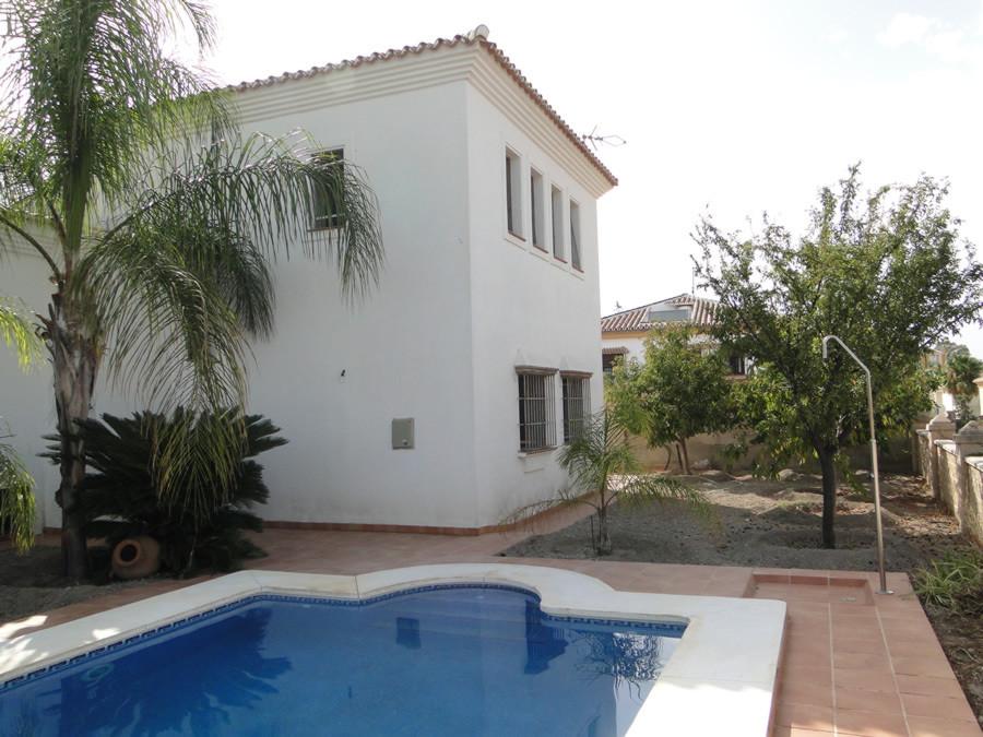 Detached Villa in Coín R2747606