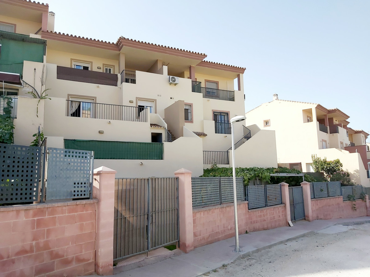 Ref:R3480088 House - Townhouse For Sale in Coín