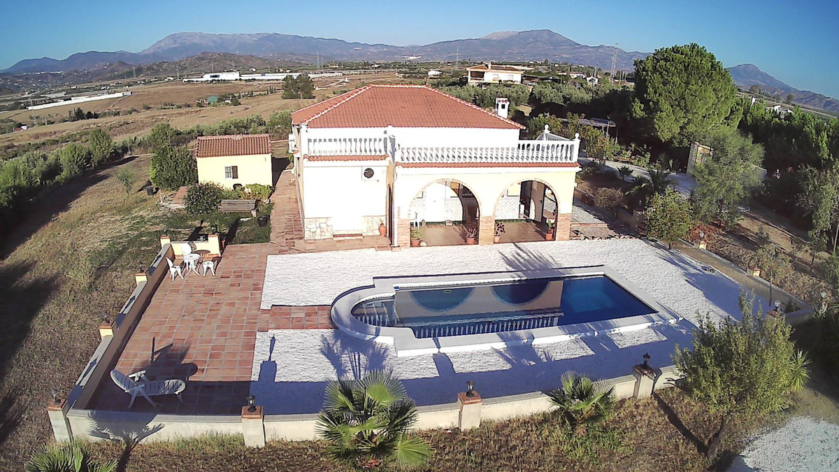 Finca with beautiful views and large plot with stables.  The house on one level comprises living roo,Spain