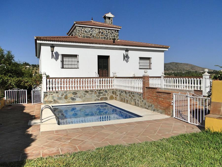 Large country property with independent guest house.  The main house on 3 levels comprises ground fl,Spain