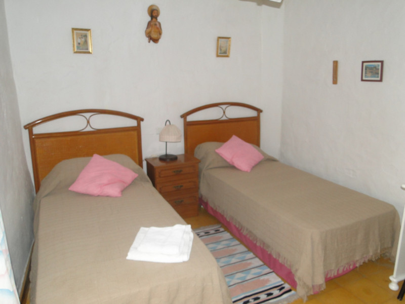 1 Bedroom Terraced Townhouse For Sale Guaro