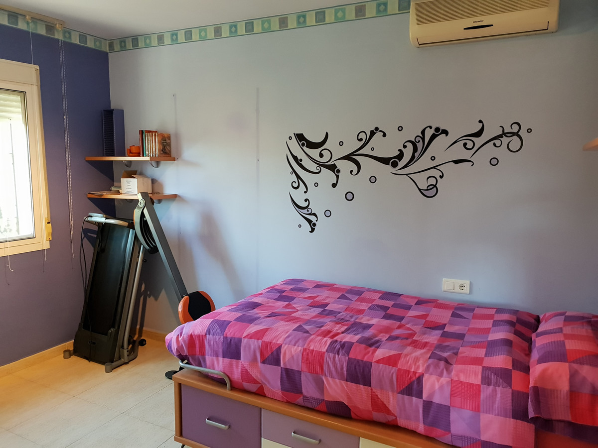 6 Bedroom Detached Villa For Sale Coín