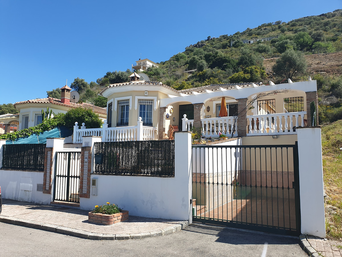 3 bedroom villa for sale coin