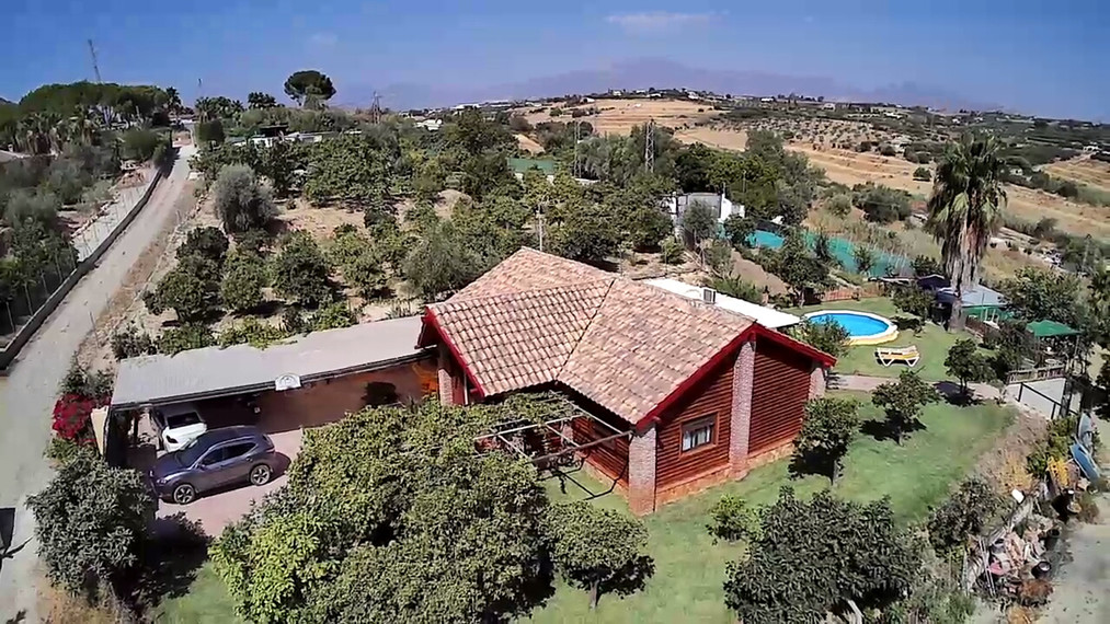 Beautiful finca with splendid views, only a short drive into town.  The property, built to a high sp, Spain
