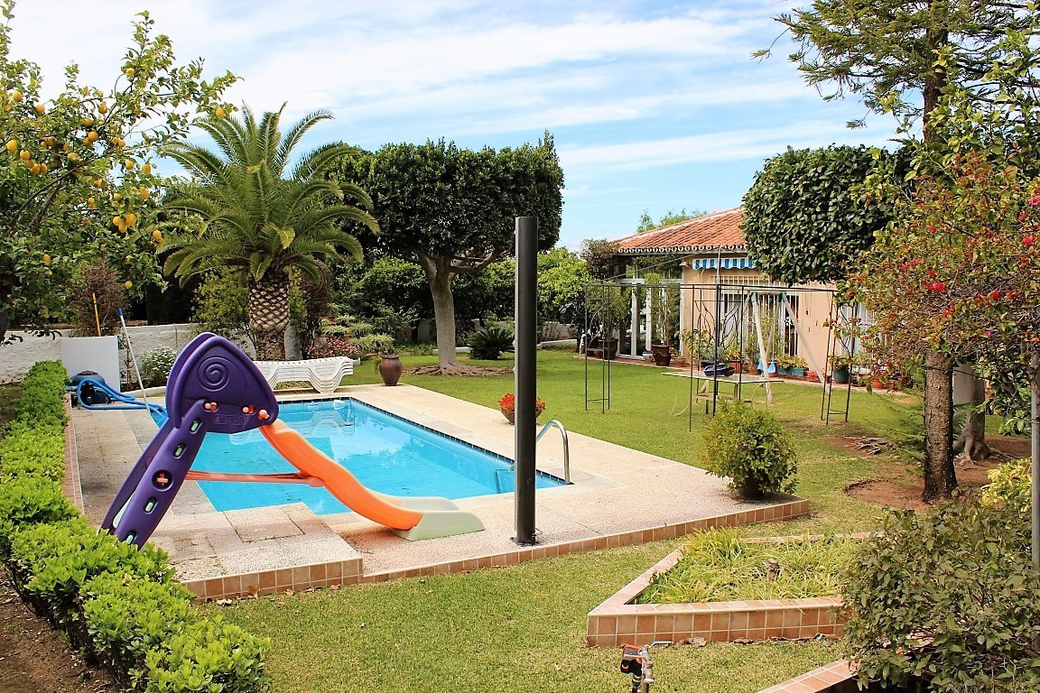 Beautiful and luxuorious detached villa in a small and secure gated community with a large and very ,Spain