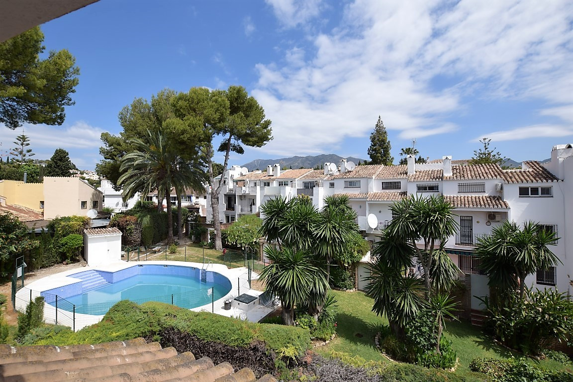 This is a beautiful and modern townhouse with a very homely feel and very well cared of by the curre,Spain