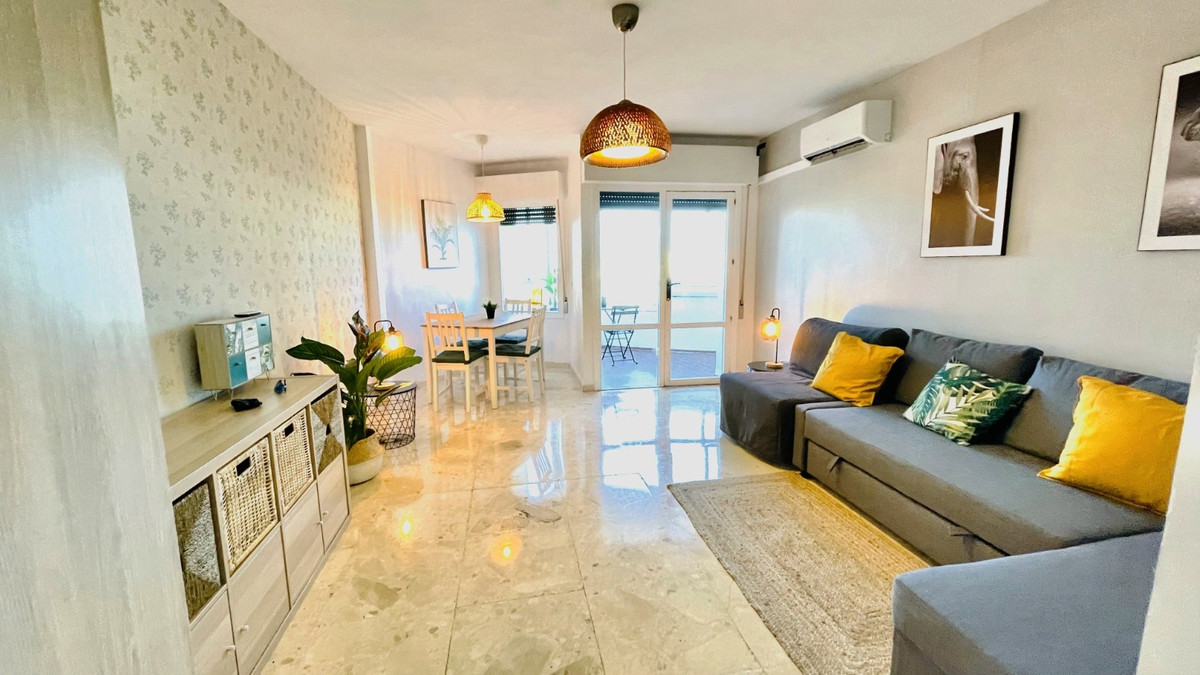 Fabulous newly renovated and furnished studio in an urbanization in Calahonda with direct access to ,Spain