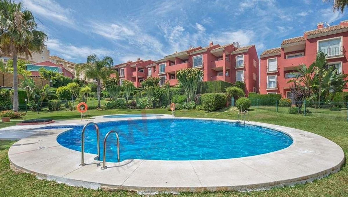 Excellent apartment in Riviera del sol. Beautifull complex with tropical gardens, pools. Spacious ap,Spain