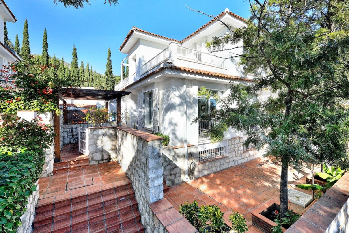 Semi-detached in an ideal place to live with the family, located in an oasis of peace and tranquilit,Spain
