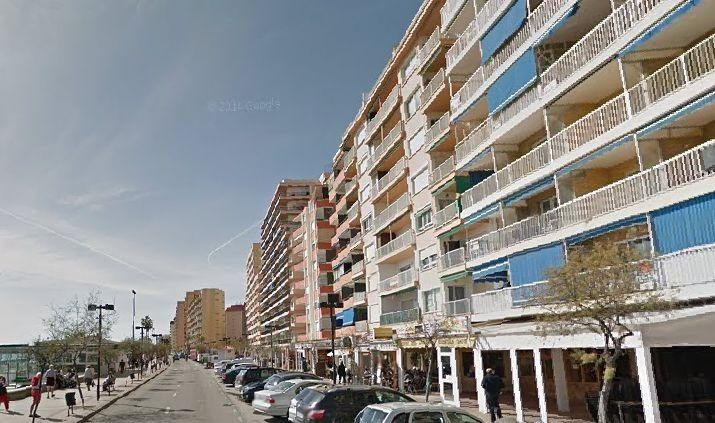 Lc-0014 Exclusive local for sale on the beachfront a few meters from the Plaza de la Constituitucion, Spain