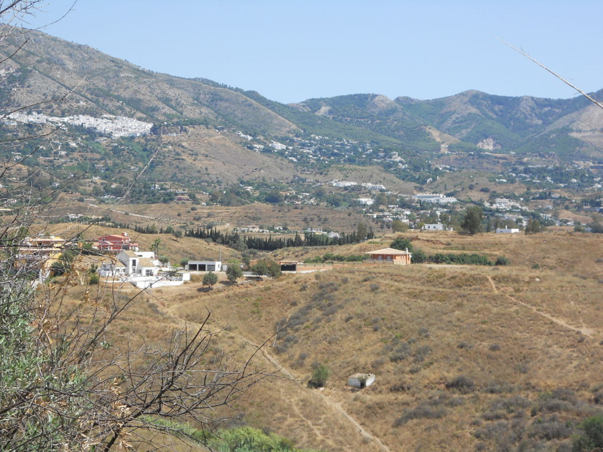Excelllent plot located in Mijas, urb. La sierrezuela. Panoramics views , quiet area. 5 minutes driv, Spain