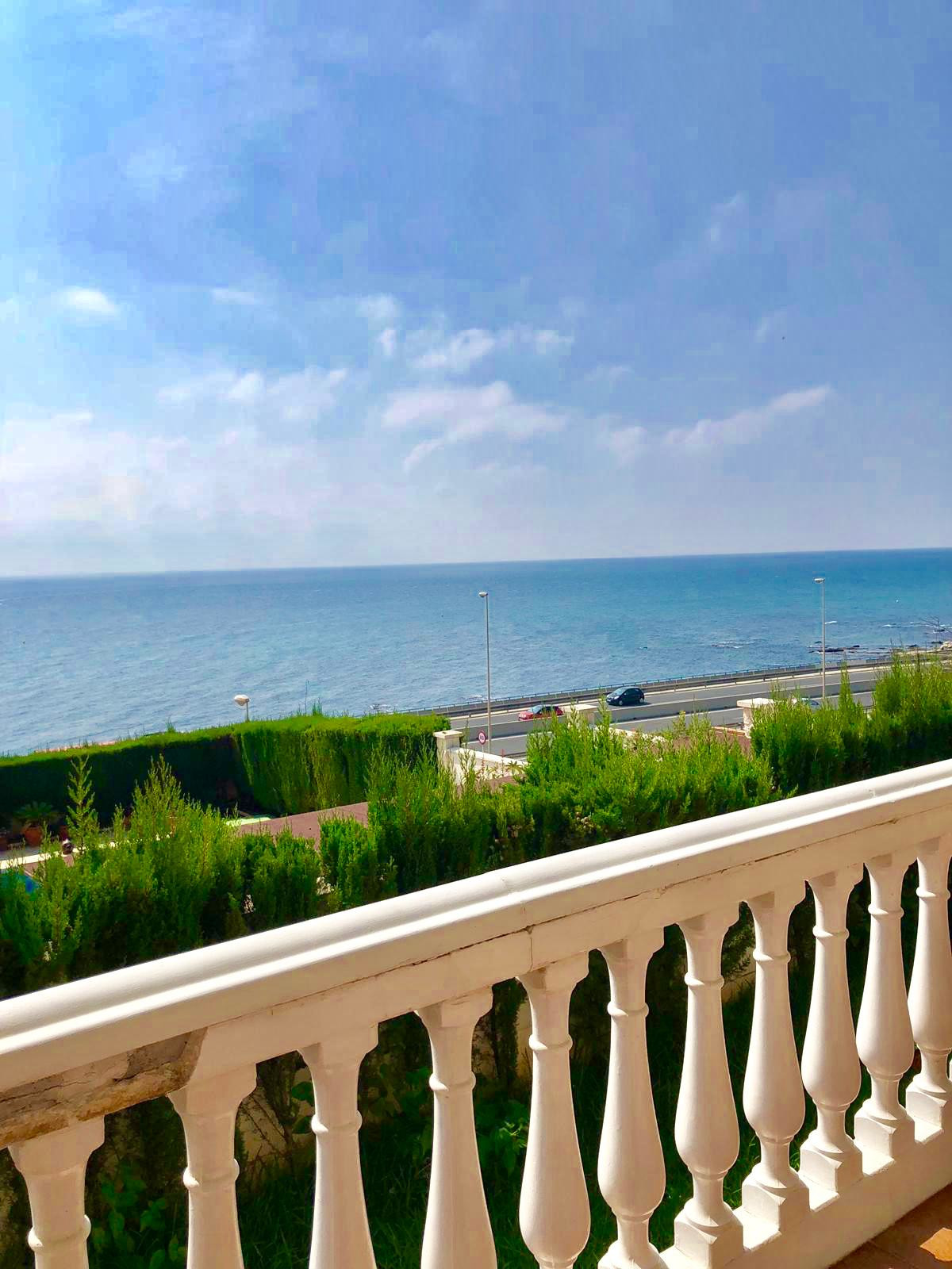 Exclusive villa close to the sea with panoramic views. Walking distance from beach. 2 large terrace , Spain