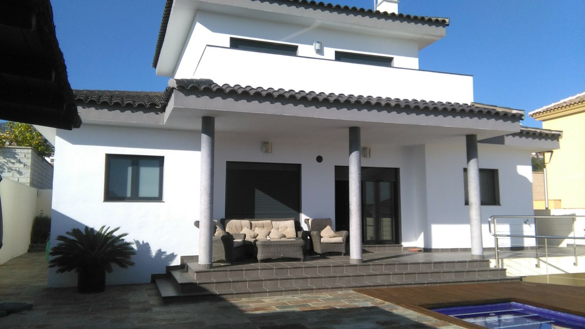 Vi-3000. Modern style villa fully furnished, It has 3 double bedrooms, one with en suite bathroom an, Spain