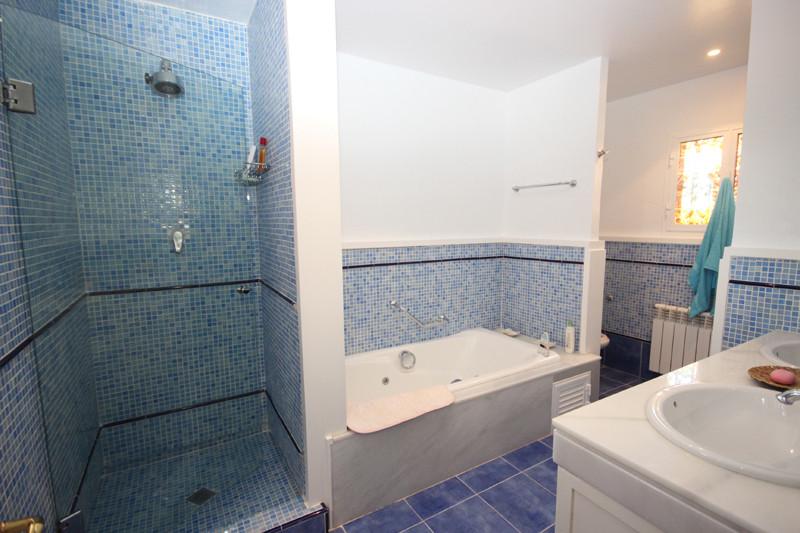 House in Bahía de Marbella R2207891 34