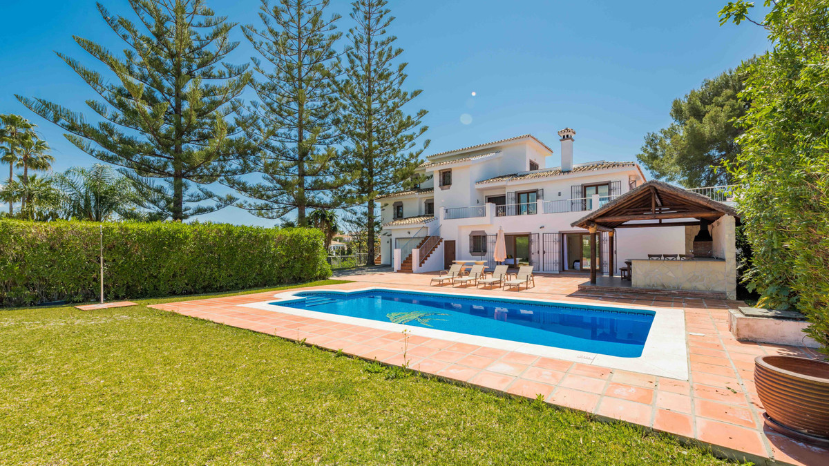 Beautiful Villa set in a very much sought after area in El Rosario marbella with amazing sea and mou,Spain