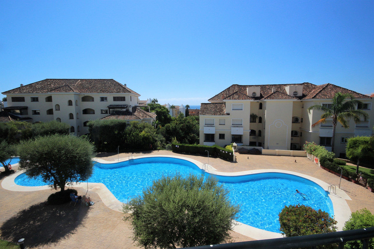 Marbella Banus Apartamento Planta Media en Venta en Bahía de Marbella – R3704933