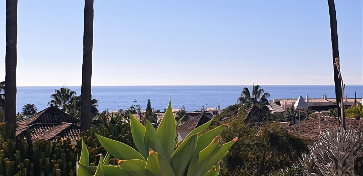 Sea views !!!   South facing - private terrace !!! This apartment has everything you need: A unique ,Spain