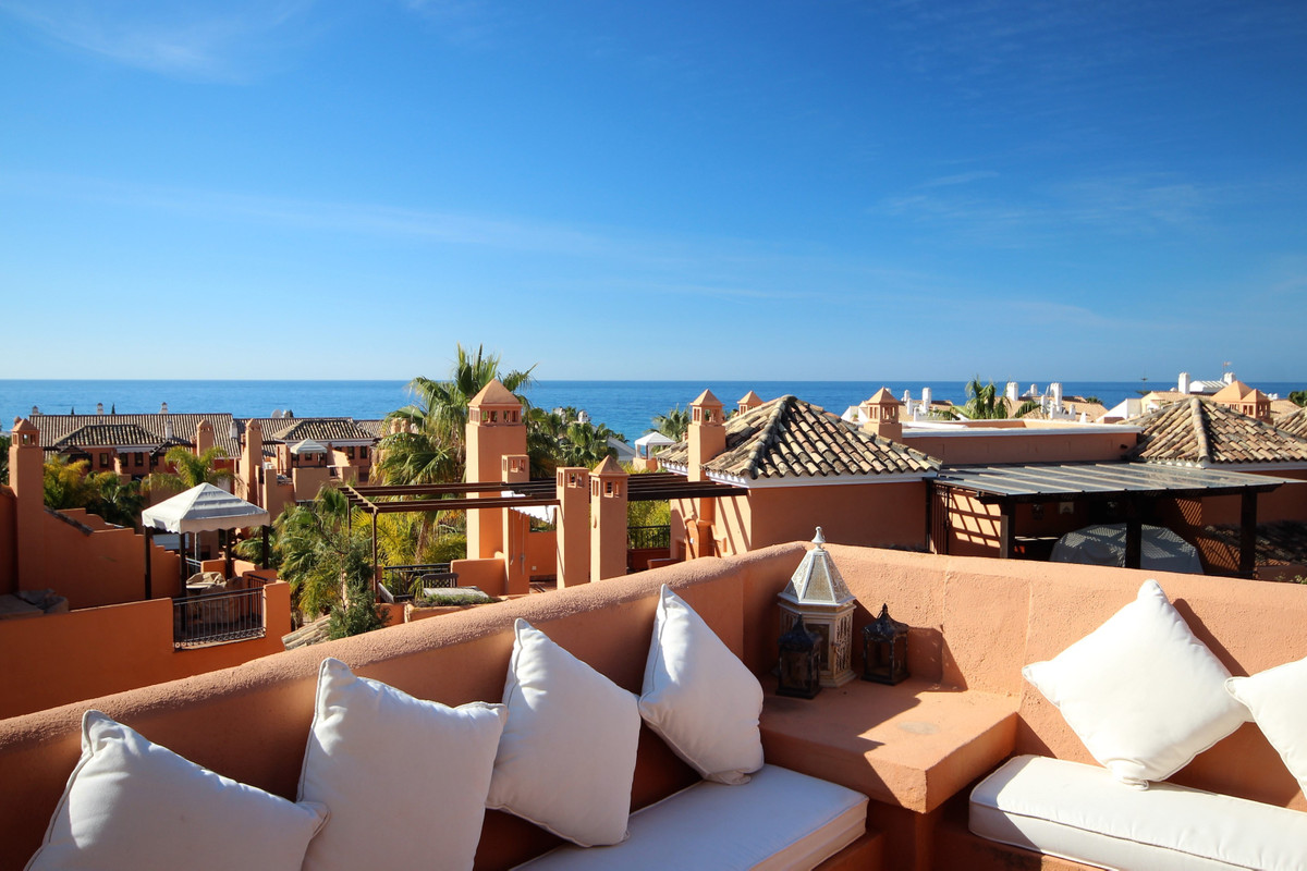 Very large Beachside House only 200 m from the best beaches in Marbella. Bahia de Marbella.   Larges Spain