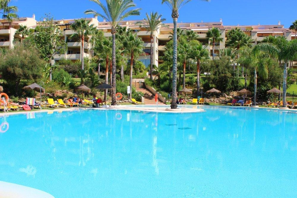 Beautiful and bright middle floor Apartment only 200 m from the best beaches in Marbella. only 5 min,Spain
