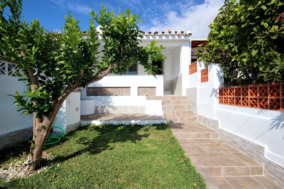 PERFECT HOLIDAY RETREAT !!!! JUST 100 m  from the best beaches of Marbella... Townhouse  1 bedroom -,Spain