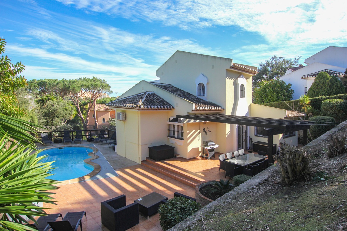 4 Bedroom Detached Villa For Sale Elviria