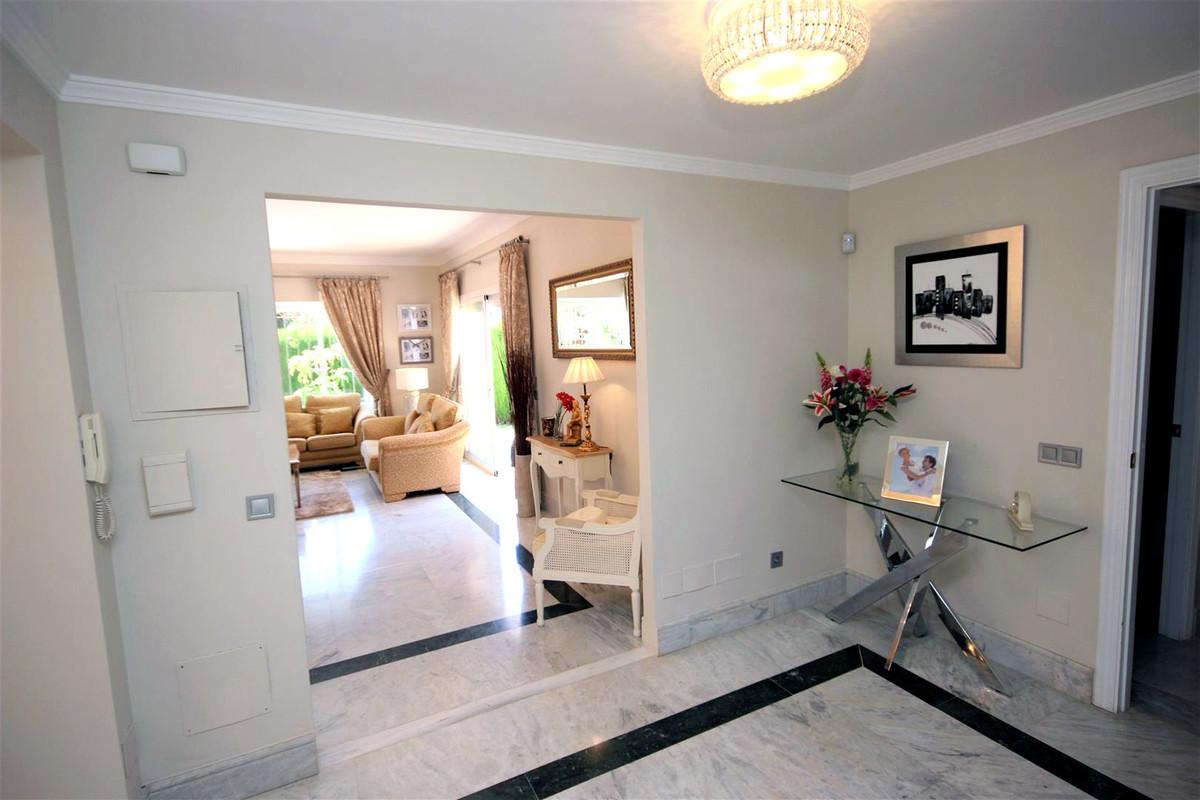 3 Bedroom Detached Villa For Sale Bahía de Marbella