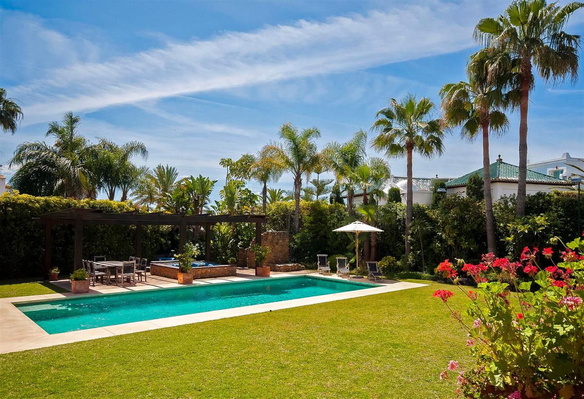 House in Bahía de Marbella R2419892 11