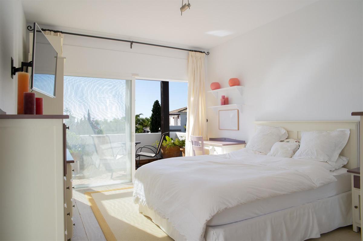 House in Bahía de Marbella R2419892 12