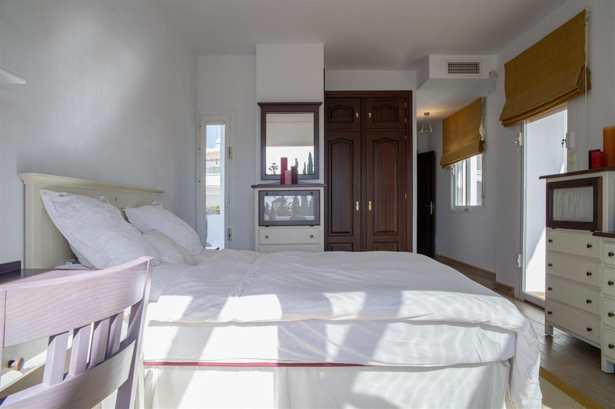 House in Bahía de Marbella R2419892 17