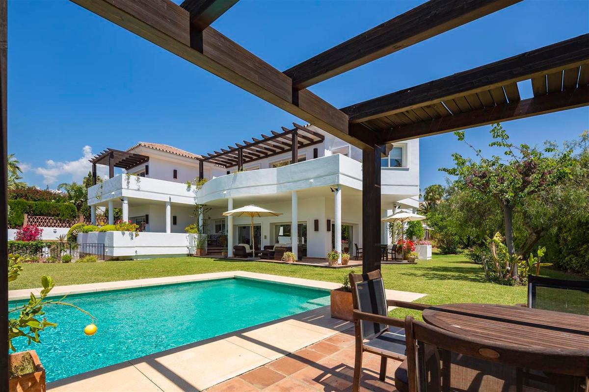 House in Bahía de Marbella R2419892 22