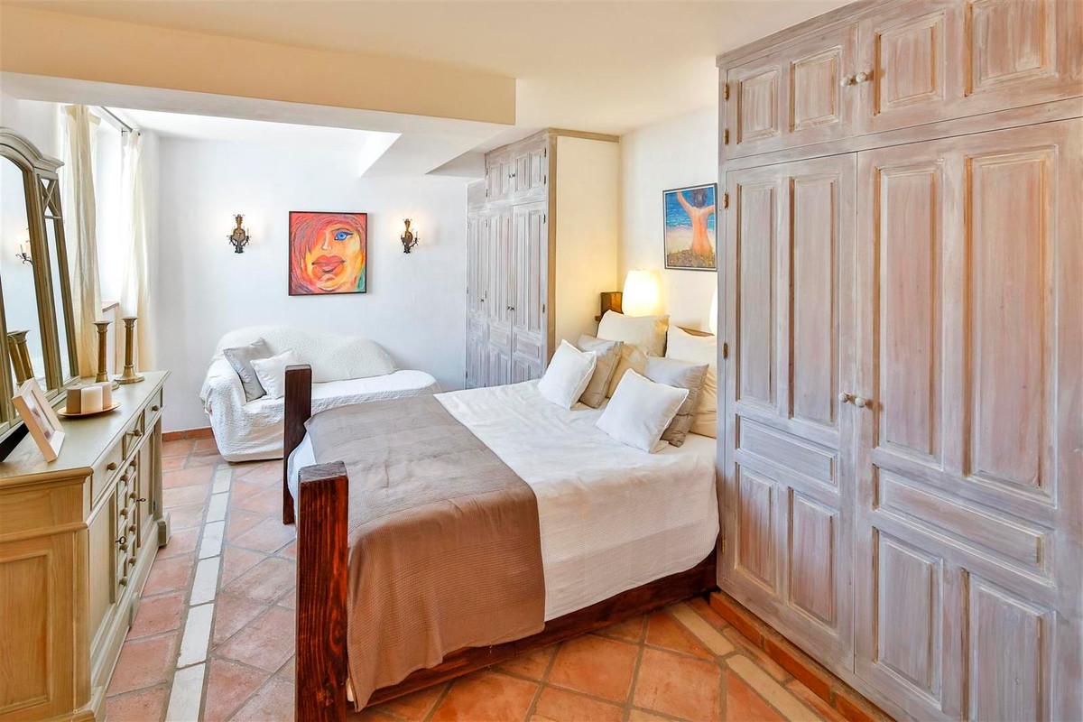 House in Bahía de Marbella R2419892 32