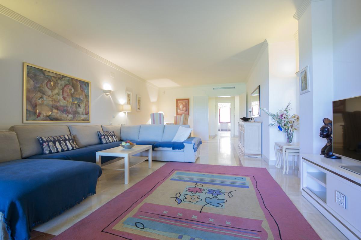 Apartamento en Venta en Bahía de Marbella – R3483301