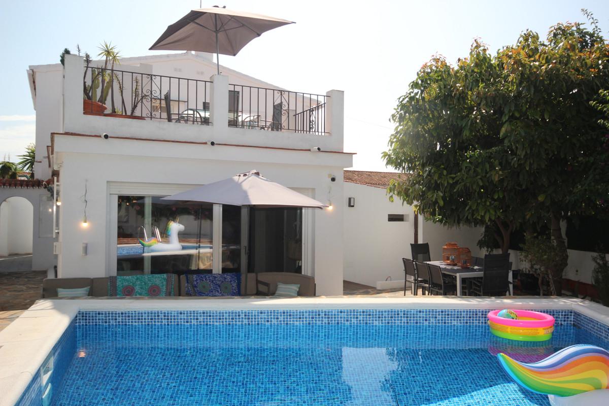 3 dormitorio villa en venta costabella