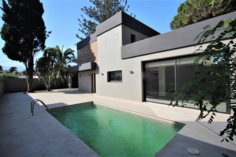 Villa – Chalet en venta en Costabella – R3503113