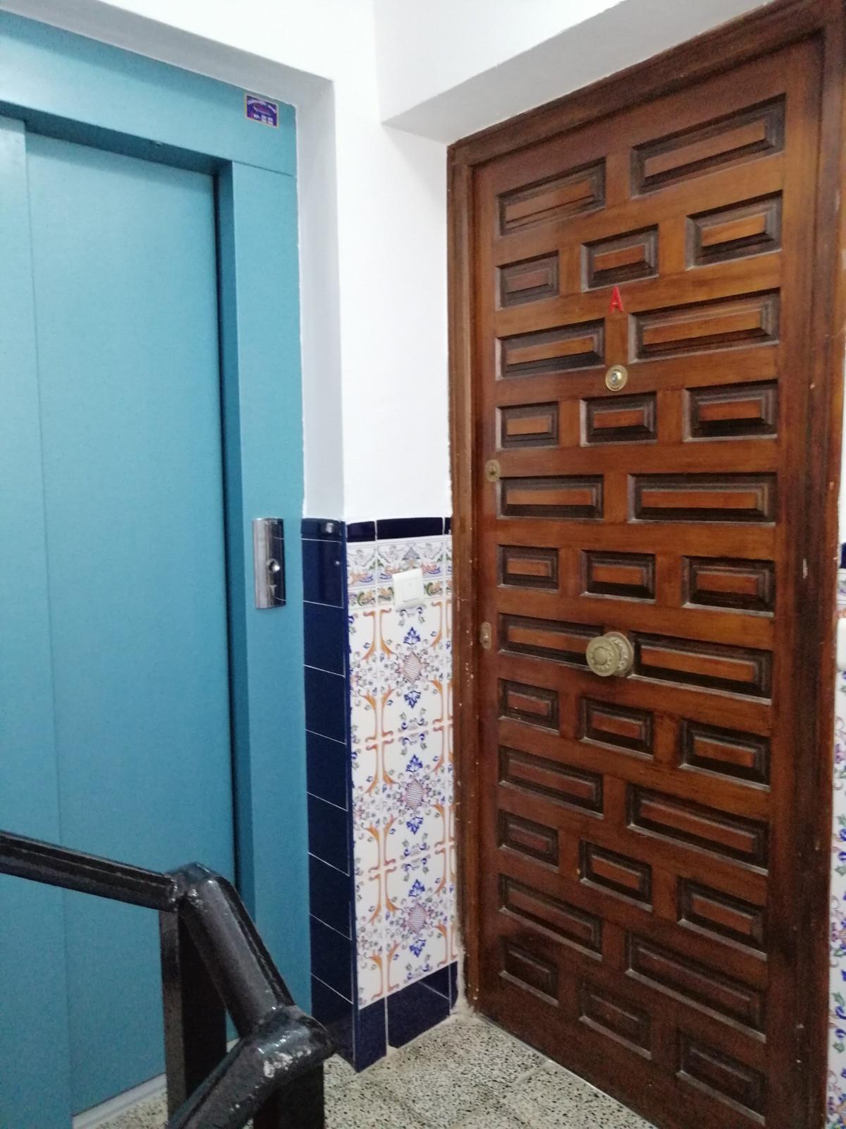 Apartamento en Venta en New Golden Mile – R3761149