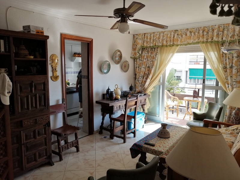 Middle Floor Apartment in New Golden Mile for sale