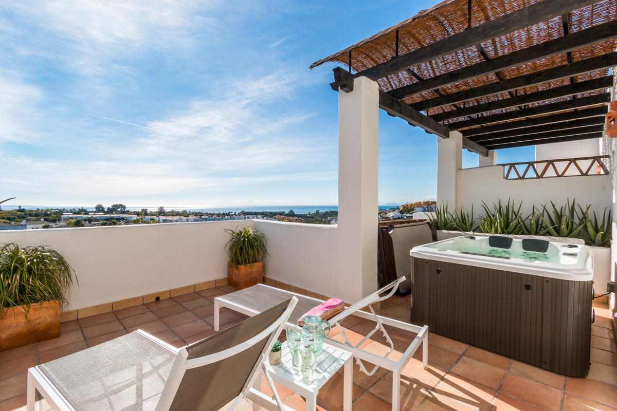 Apartment Penthouse in Selwo, Costa del Sol