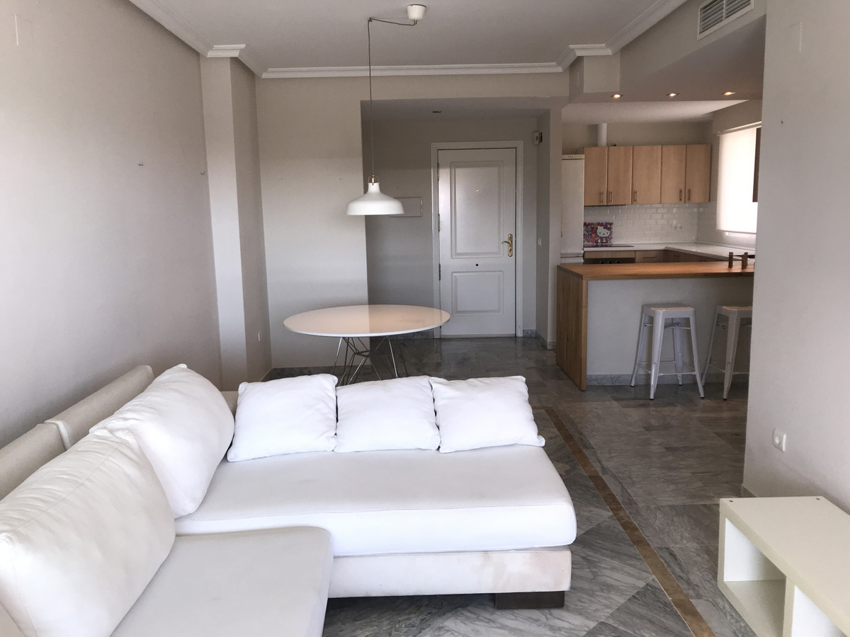 Nice bedroom in last floor at the well known Urb. Lorcrimar 3, in Nueva andalucia, West facing and p,Spain