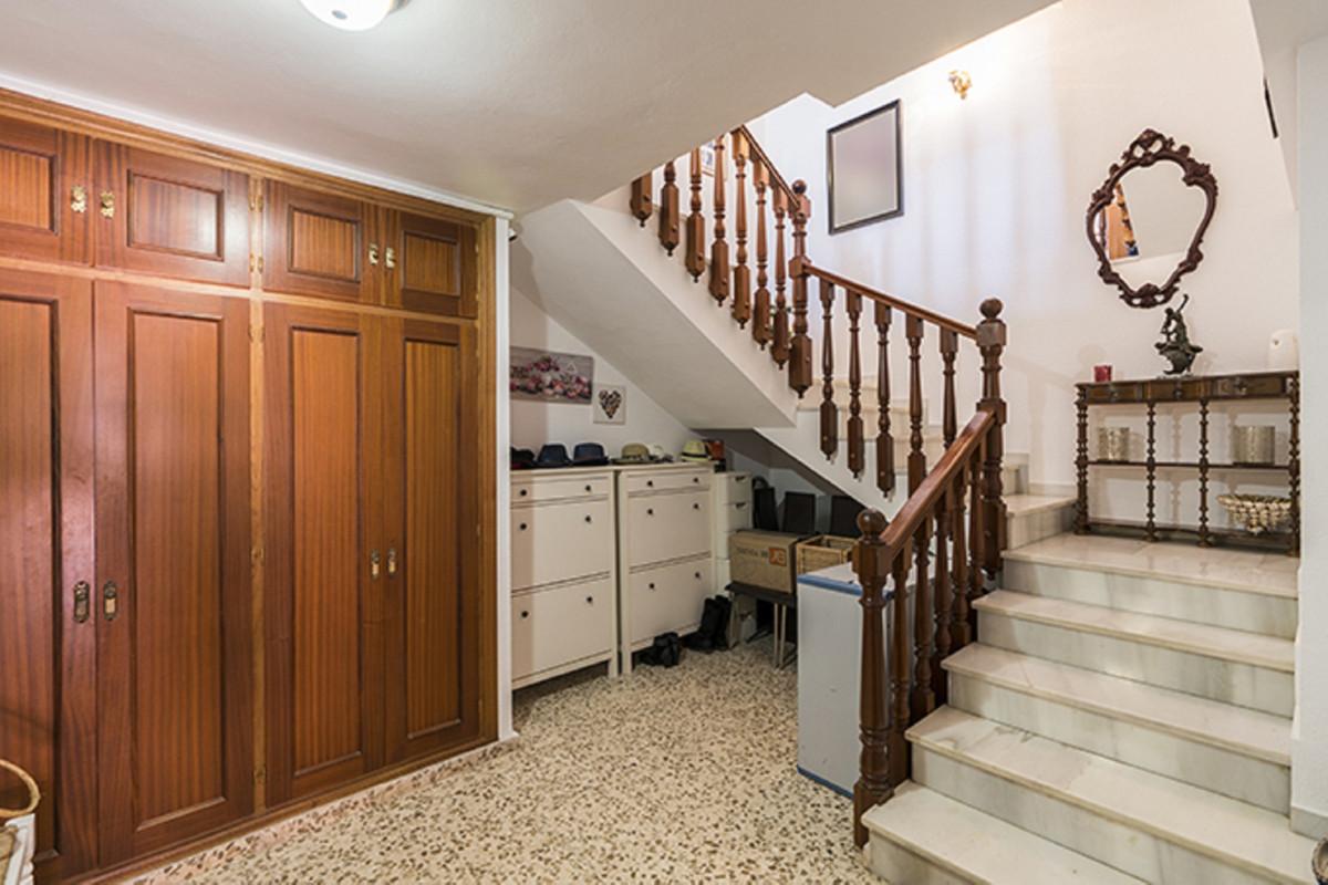 House in Bel Air R3855442 25