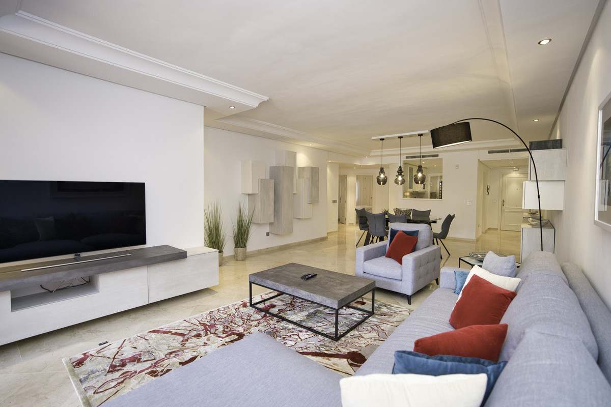 Marbella Banus Apartamento Planta Baja en Venta en New Golden Mile – R3650699