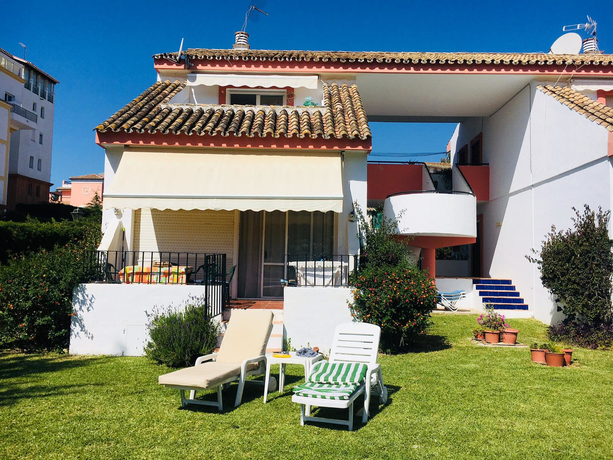 Very bright and just recently completely reformed and refurbished , super cozy 1 bedroom, 1 bathroom,Spain