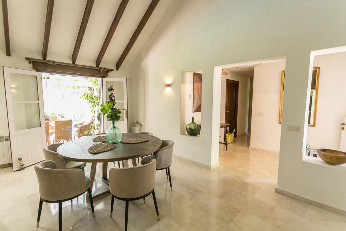 House in El Paraiso R3201649 11