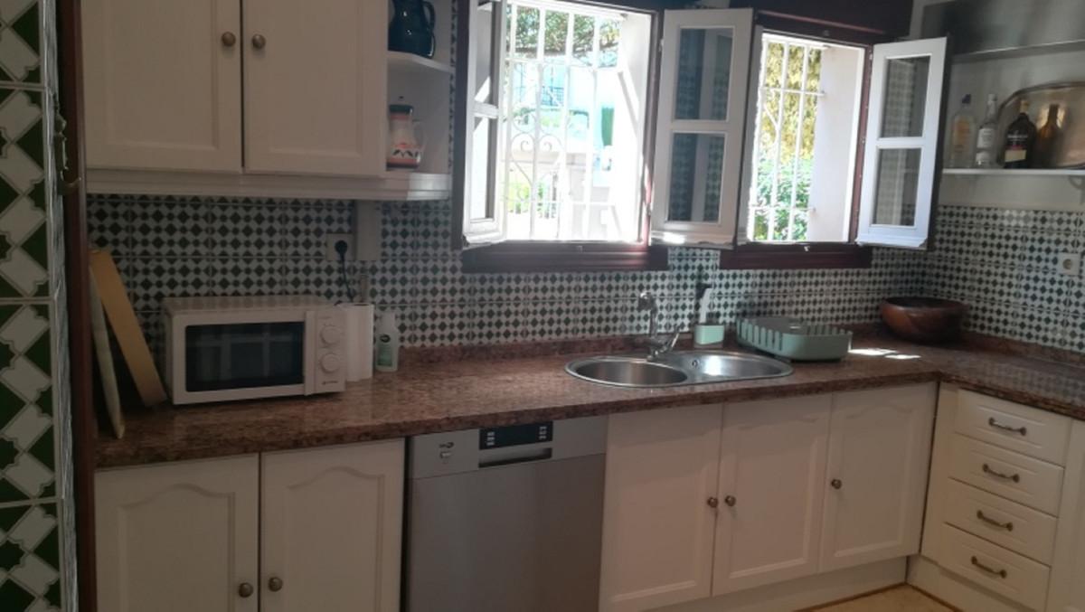 House in El Paraiso R3201649 13