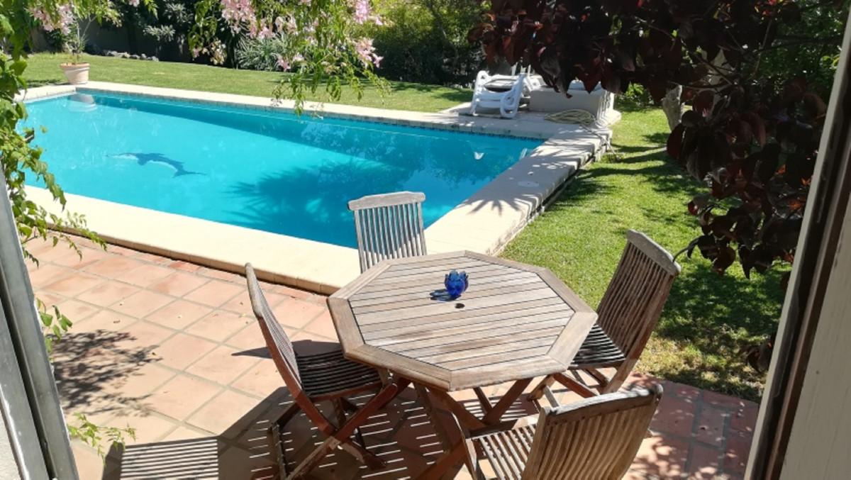 House in El Paraiso R3201649 18