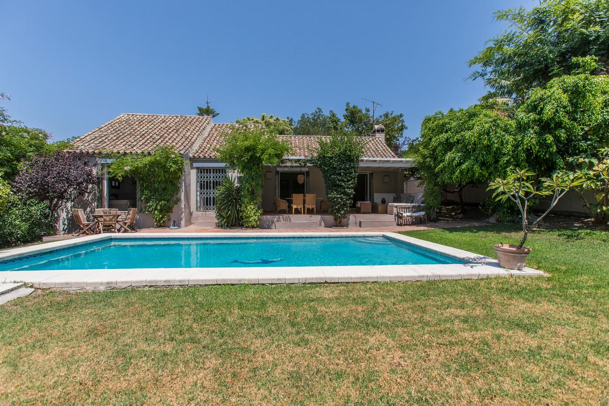 House in El Paraiso R3201649 22