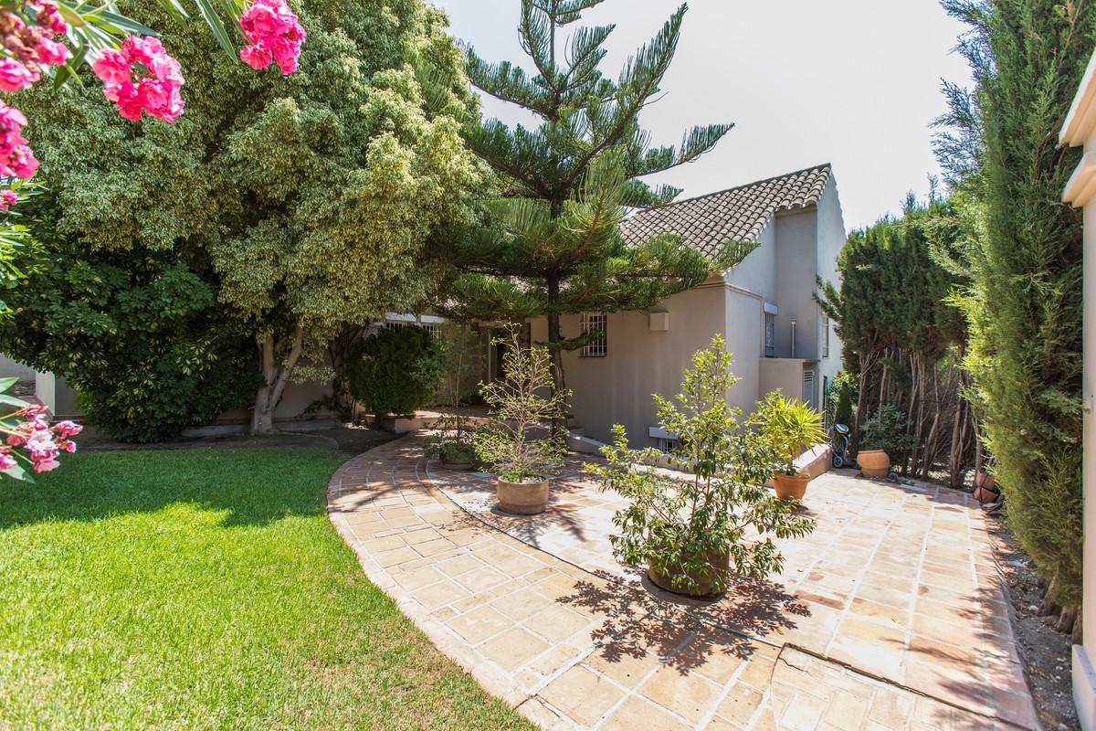 House in El Paraiso R3201649 26