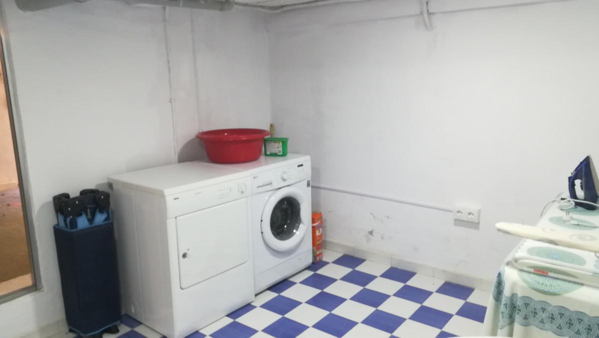 House in El Paraiso R3201649 31