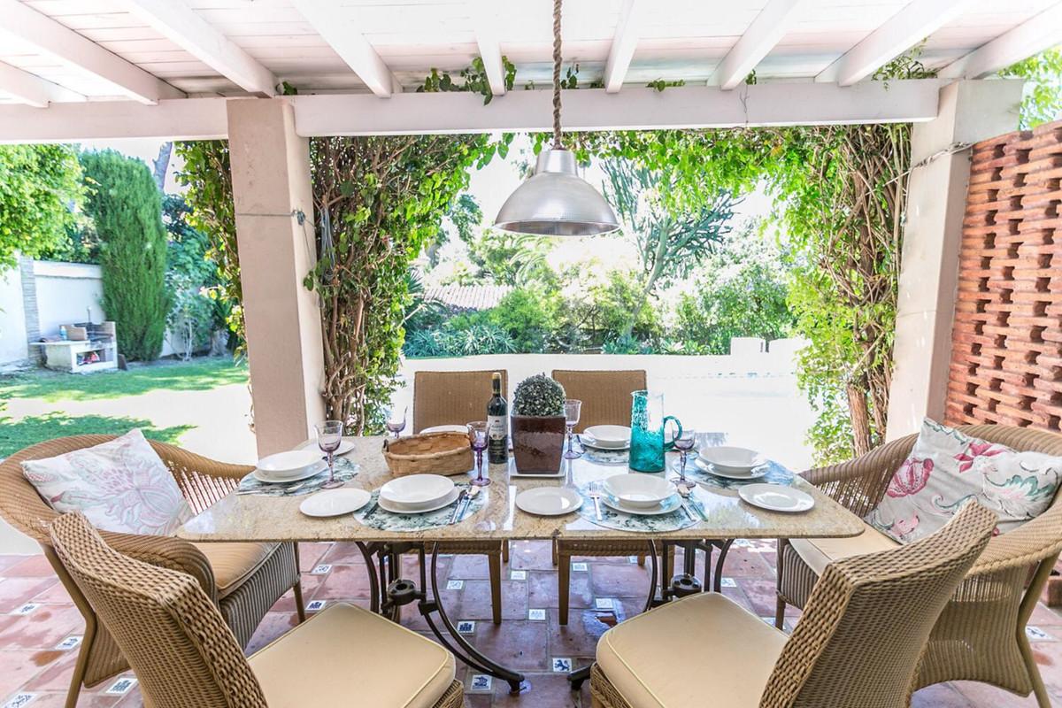 House in El Paraiso R3201649 4